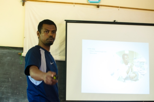Dr Haja lectures on wildlife immobilization
