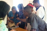 Georges from the Ivoloina Zoological Park exchanges with students on chelonian anatomy